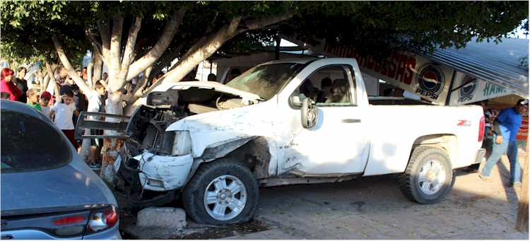 Accidente vial Tehuantepec y Yaqui Foto 2