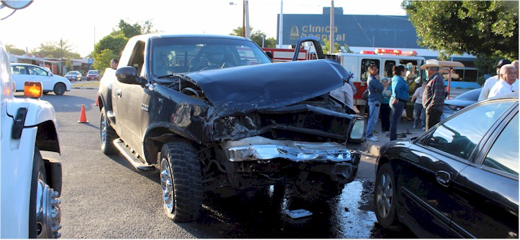 Accidente vial Tehuantepec y Yaqui Foto 3