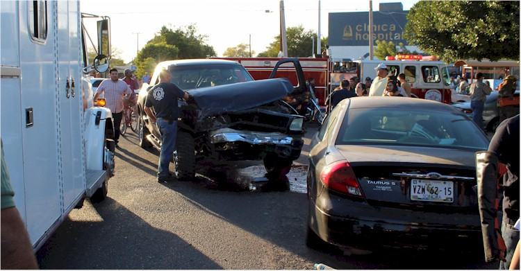 Accidente vial Tehuantepec y Yaqui Foto 6